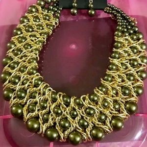 Beautiful Gold & Green Pearl Bib Necklace & Earrin